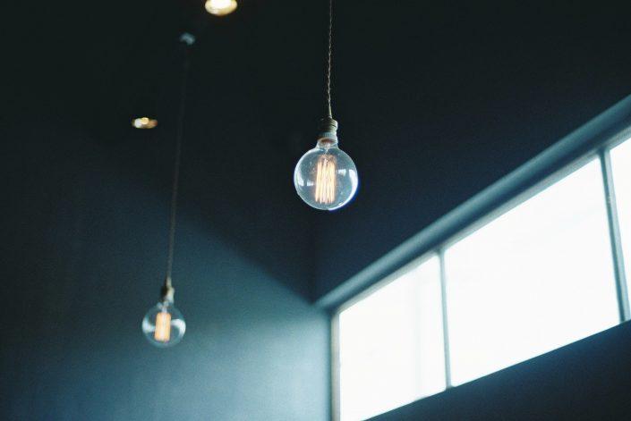 cafe cachetteの電球