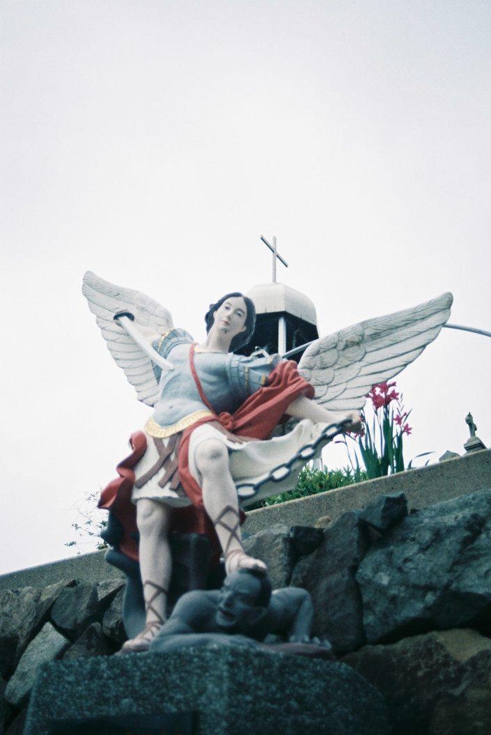 青砂ヶ浦教会の大天使聖ミカエル像