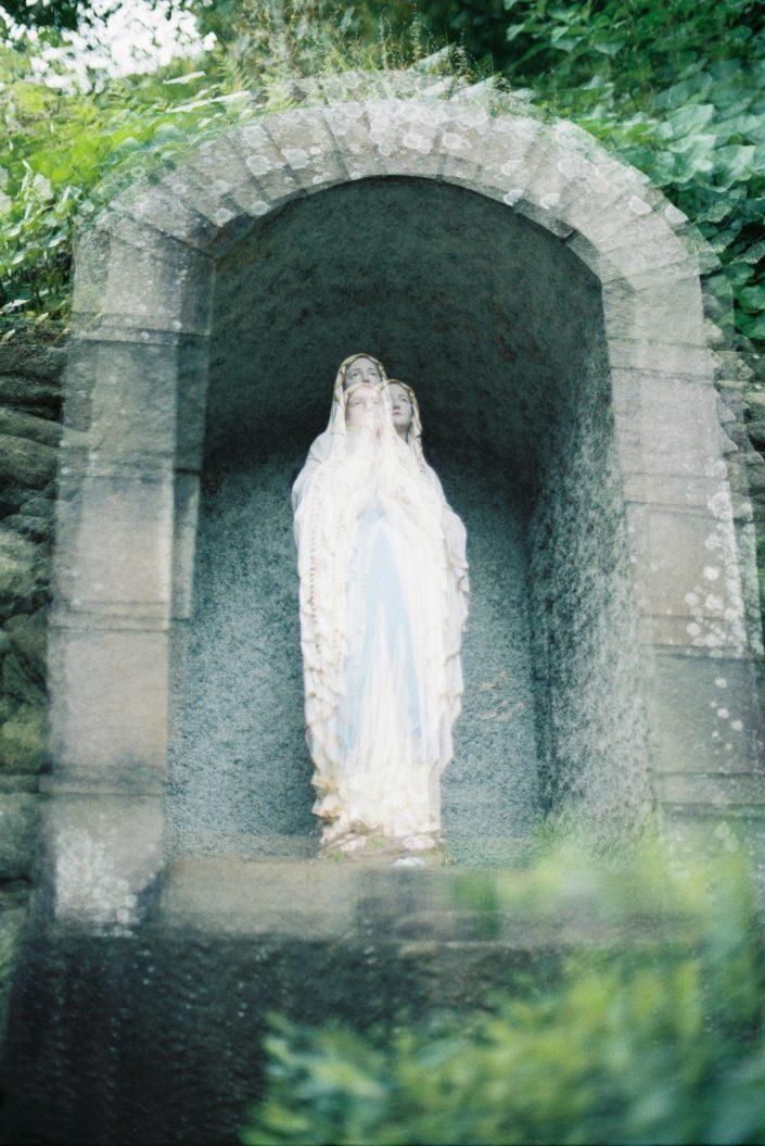 頭ケ島天主堂のマリア像